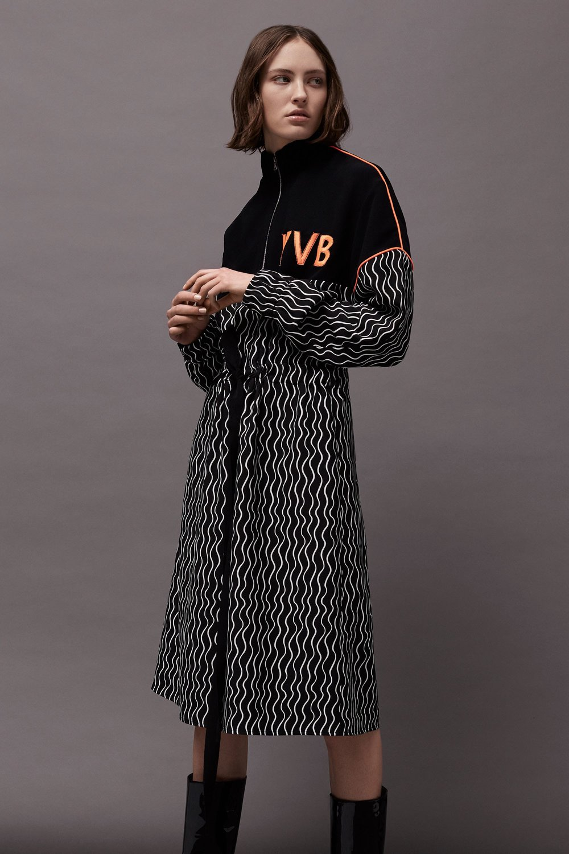 Victoria Victoria Beckham Fall 2017 13.jpg