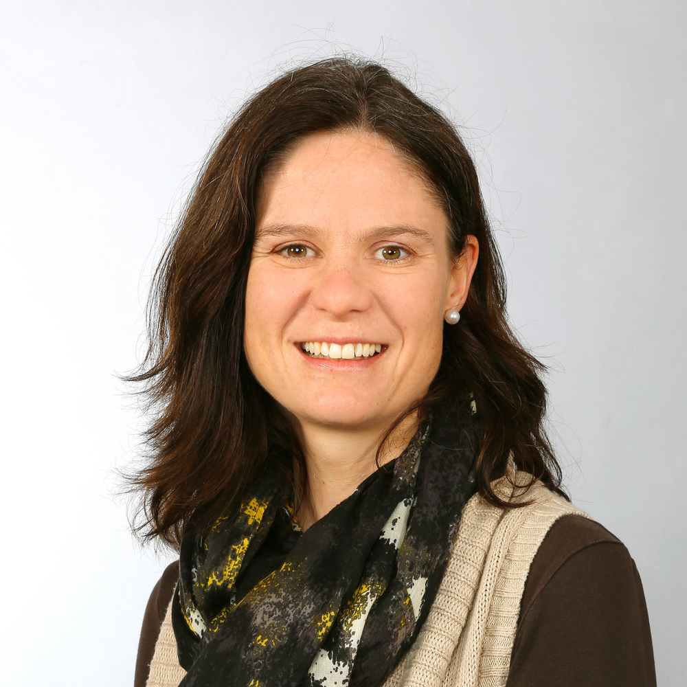 Johanna Bernhard   Membre du conseil de fondation  Théologienne, Formatrice BF