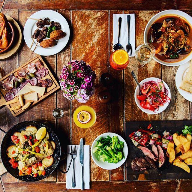 Saturday night done right... #food #foody #followforfollowback #foodporn #freshfood #pubs #highgatevillage #cocktails #saturday #saturdaynight #london #foodphotography #foodstagram #foodlover #foodblogger #foodies
