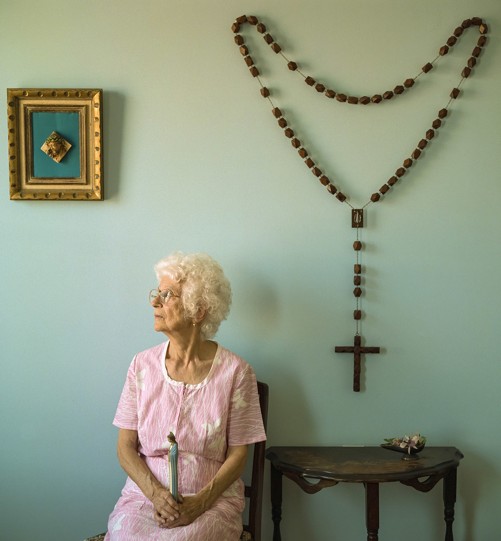 amelia ferrara-big crucifix.jpg