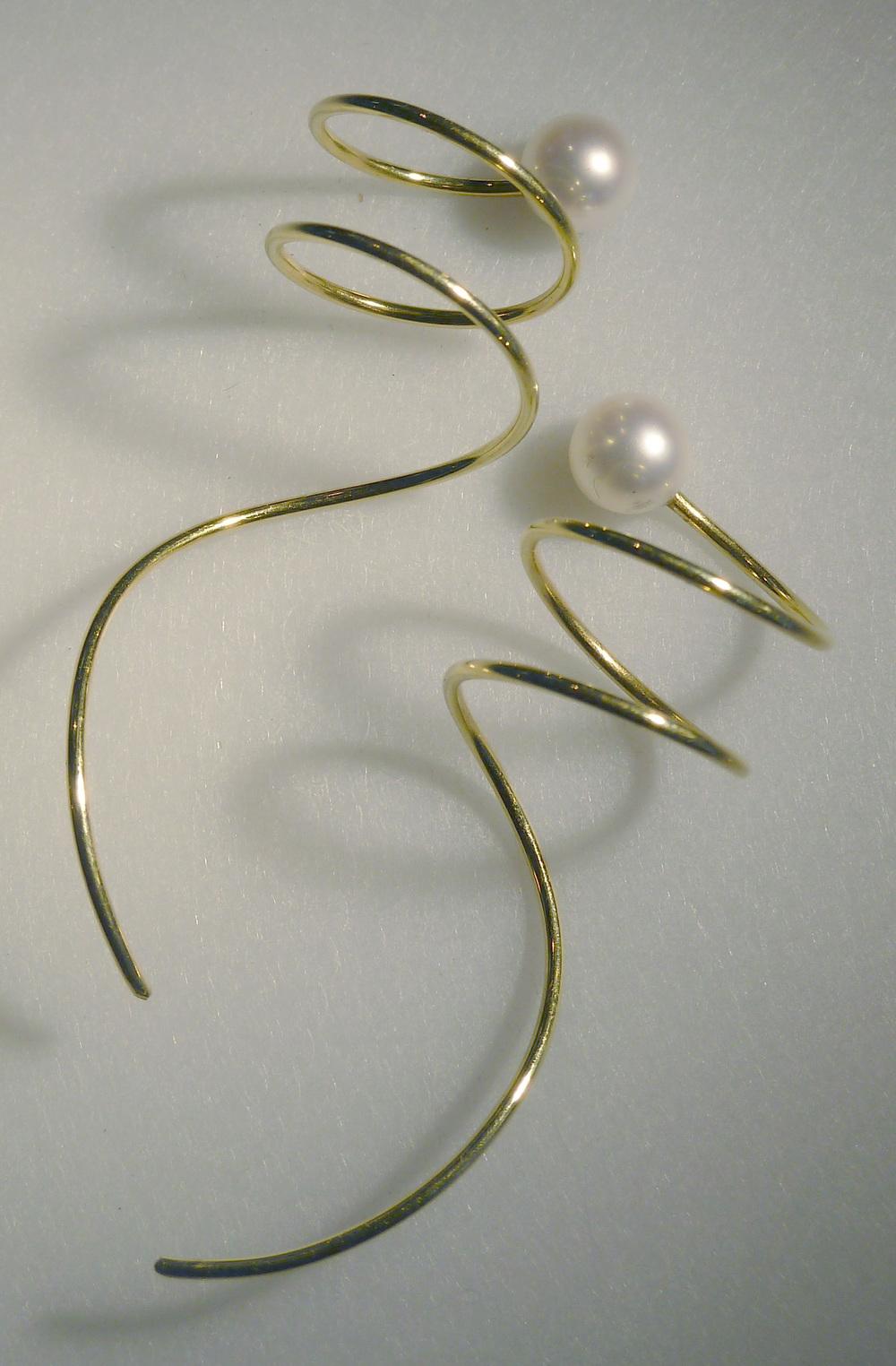pearl earscrews.jpg