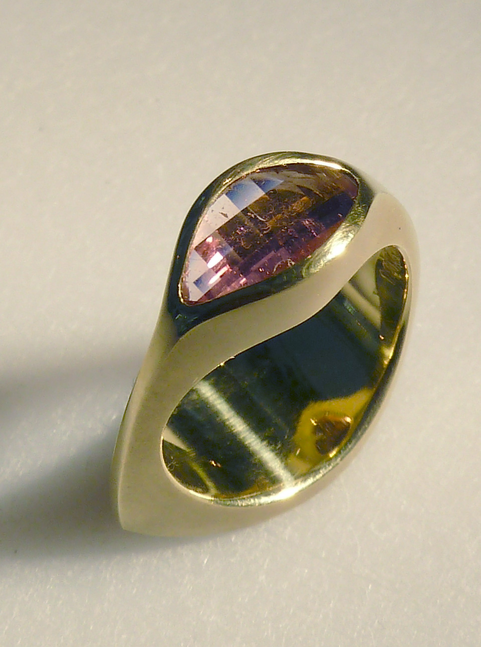 small-kiss-ring.jpg
