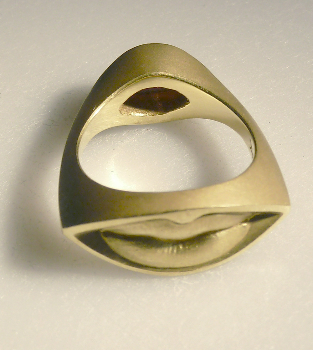 small-kiss-ring-2.jpg
