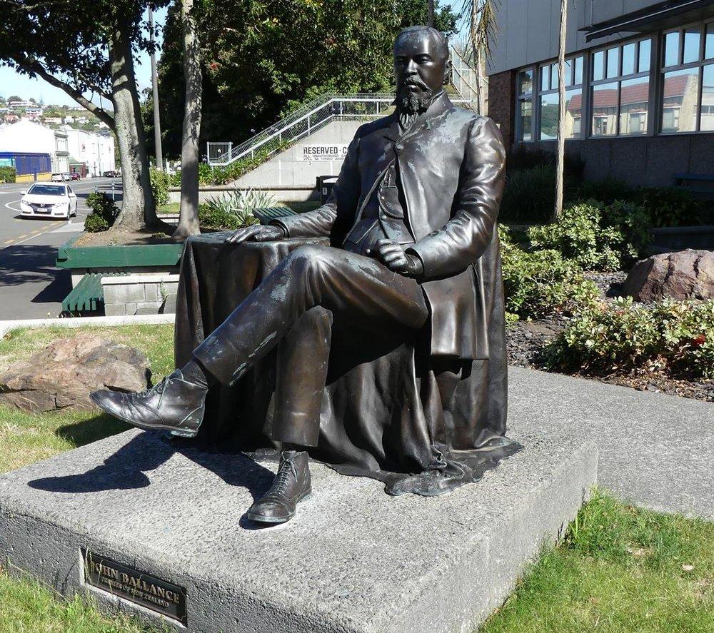 john ballance Statue wanganui.jpg