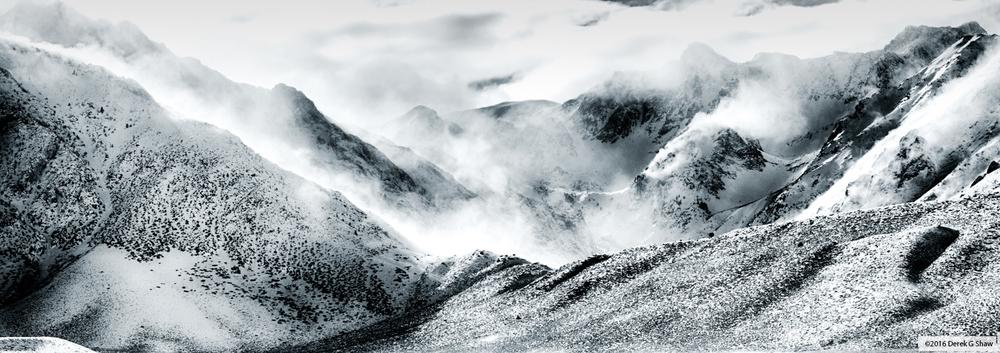Snow Mist Mountains
