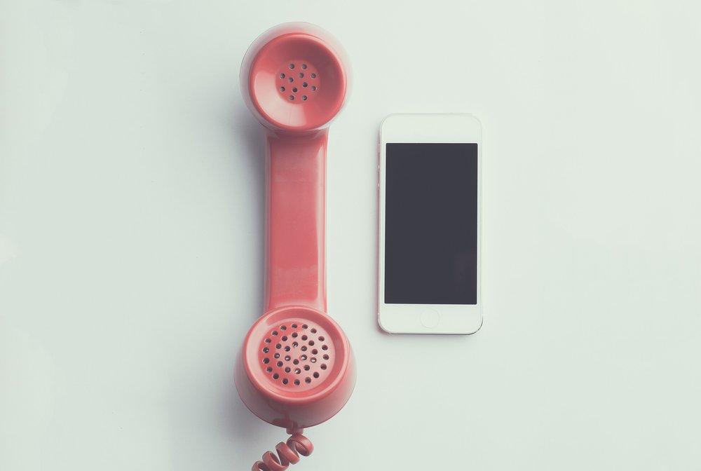 apple-device-cellphone-communication-594452.jpg