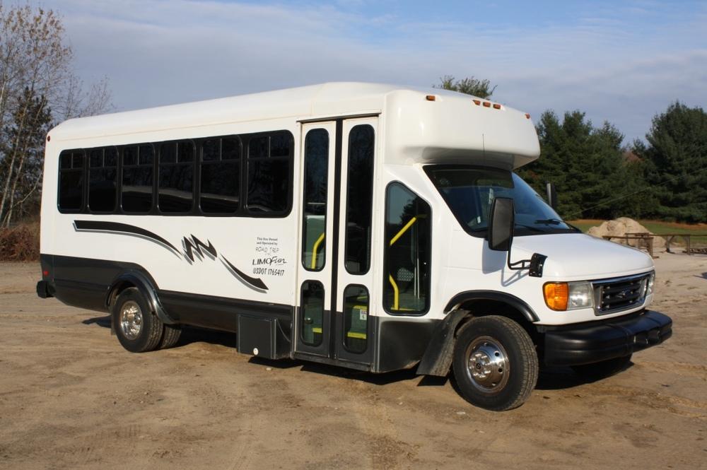 Limo Bus14.jpg