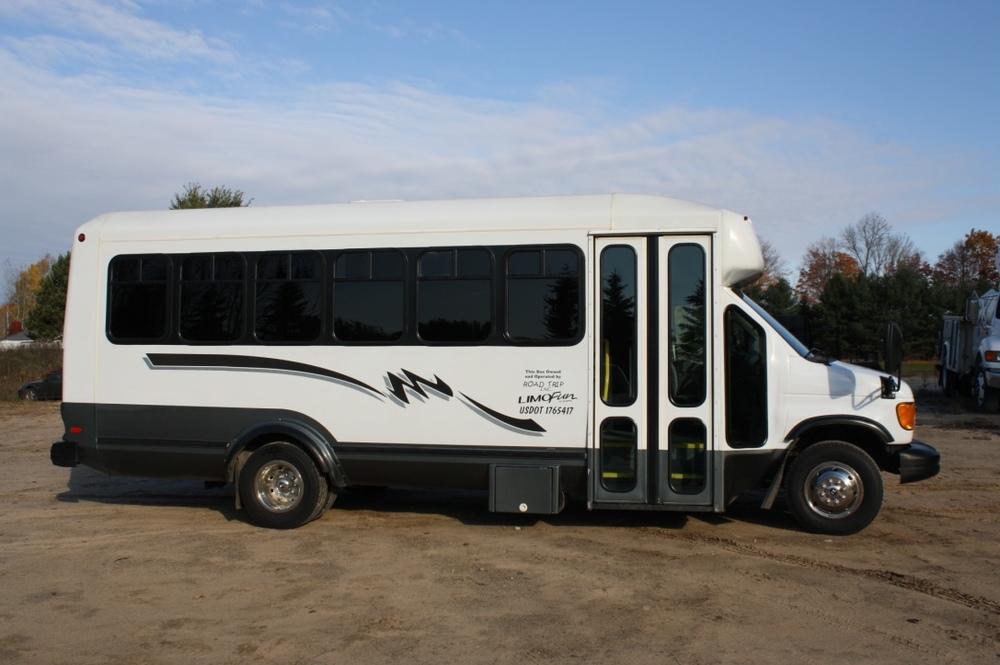 S20 Bus (25 passengers)