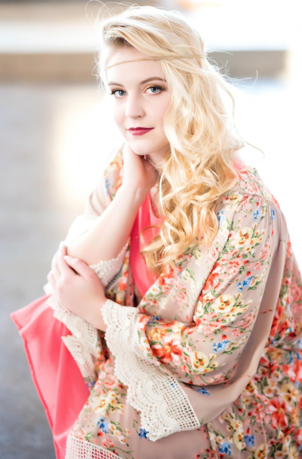 Angelique Verver Sioux Falls Makeup Artist. Julie Prairie Photography