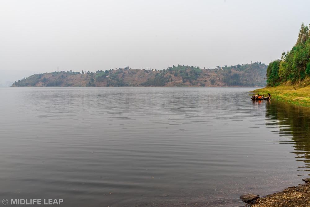 twin-lakes-trekking-in-rwanda