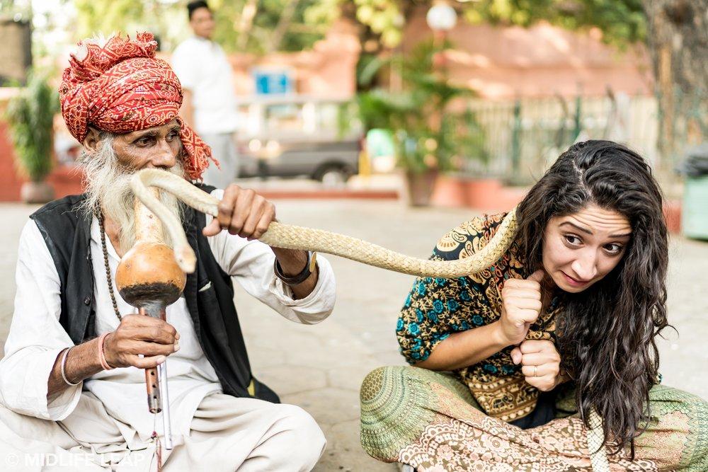 street-vendors-with-snakes-cobras-new-delhi.jpg
