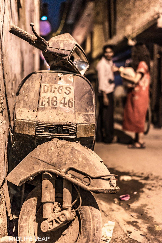 street-scenes-old-scooter-new-delhi.jpg