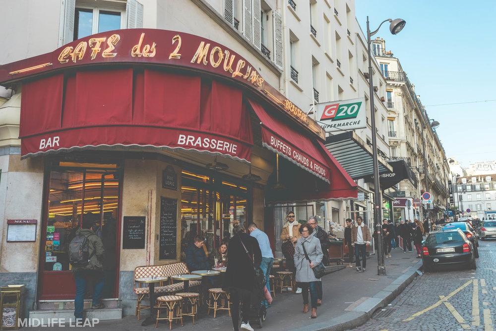 amelie-cafe-des-deux-moulins-where-to-eat-in-montmartre-18th-arrondissement-paris
