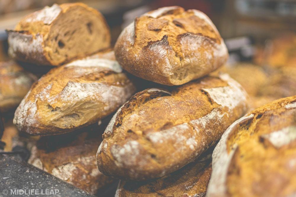 le-grenier-a-pain-best-baguette-in-paris