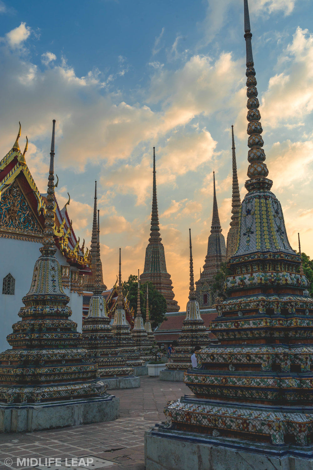 the-best-temples-to-visit-in-bangkok-wat-pho