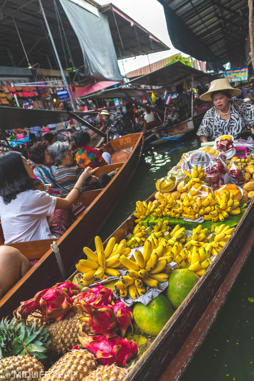 visiting-the-floating-markets-in-bangkok-damnoen-saduak