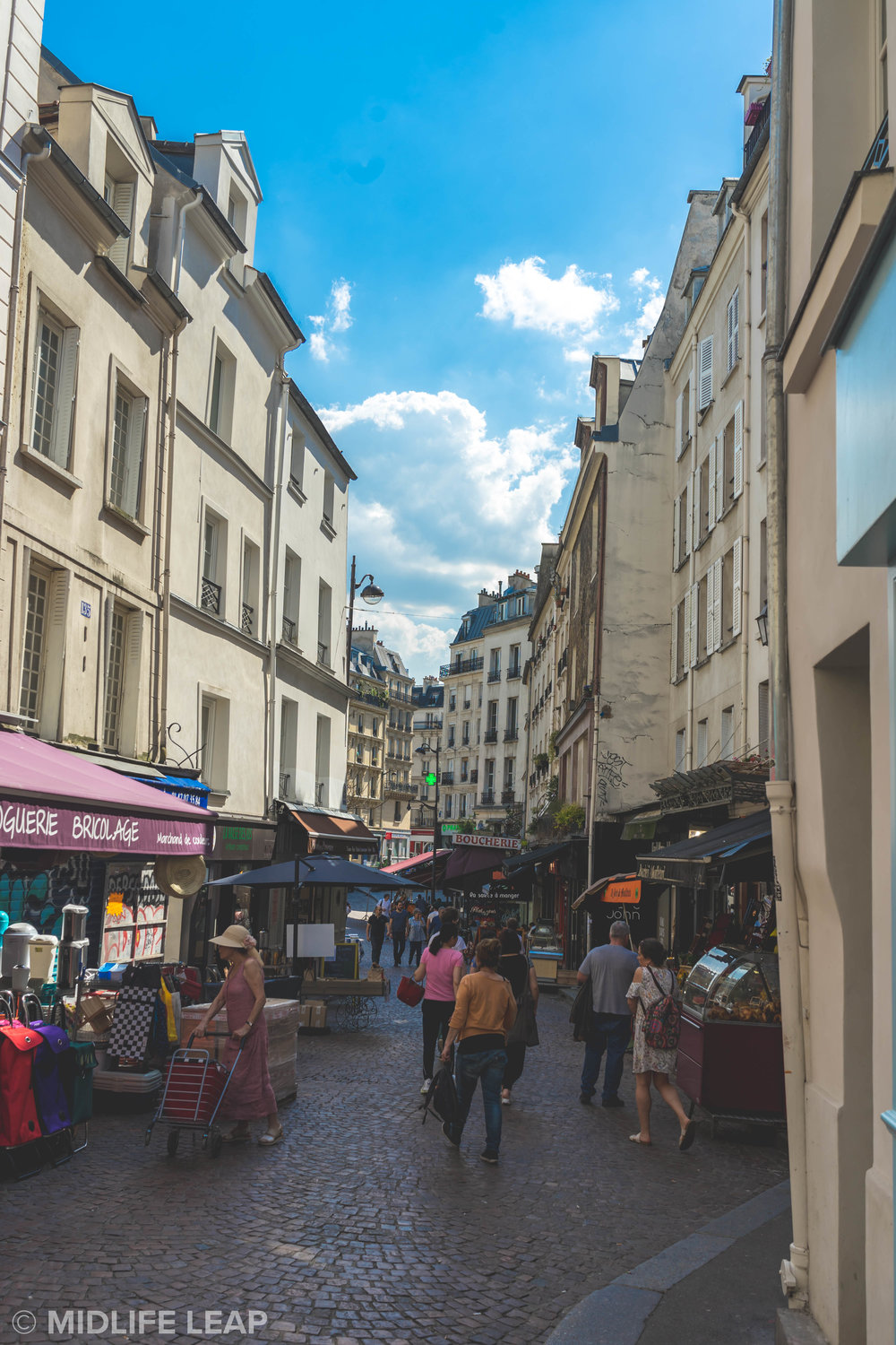 the-best-walking-streets-in-paris-rue-mouffetard