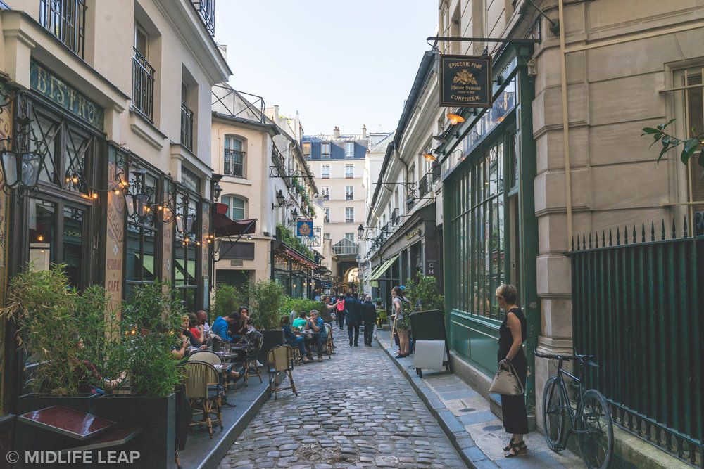 secret-passageways-of-paris-passage-du-commerce-st-andre