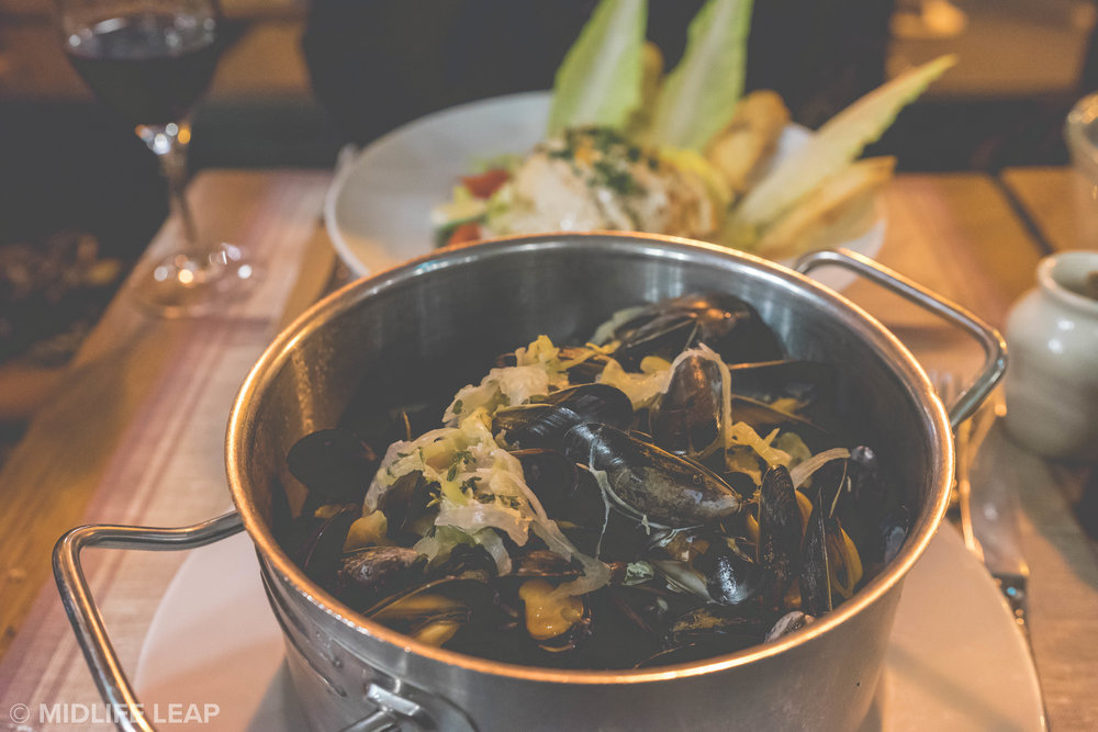 best-restaurants-in-paris-for-moules-frites