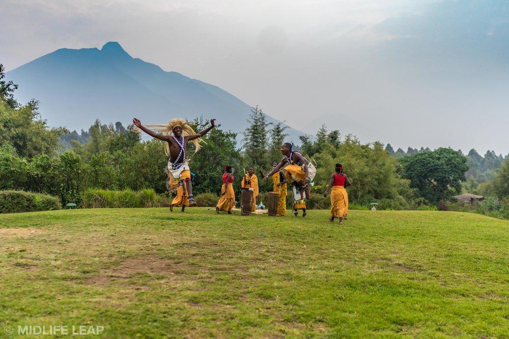 staying-at-mountain-view-gorilla-lodge-rwanda
