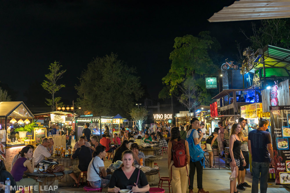 best-night-markets-chiang-mai-ploen-ruedee