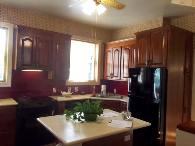 The Pineapple Acre kitchen before remodel.