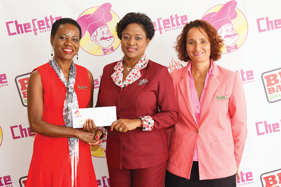 Chefette Donates to Verdun House Web.jpg