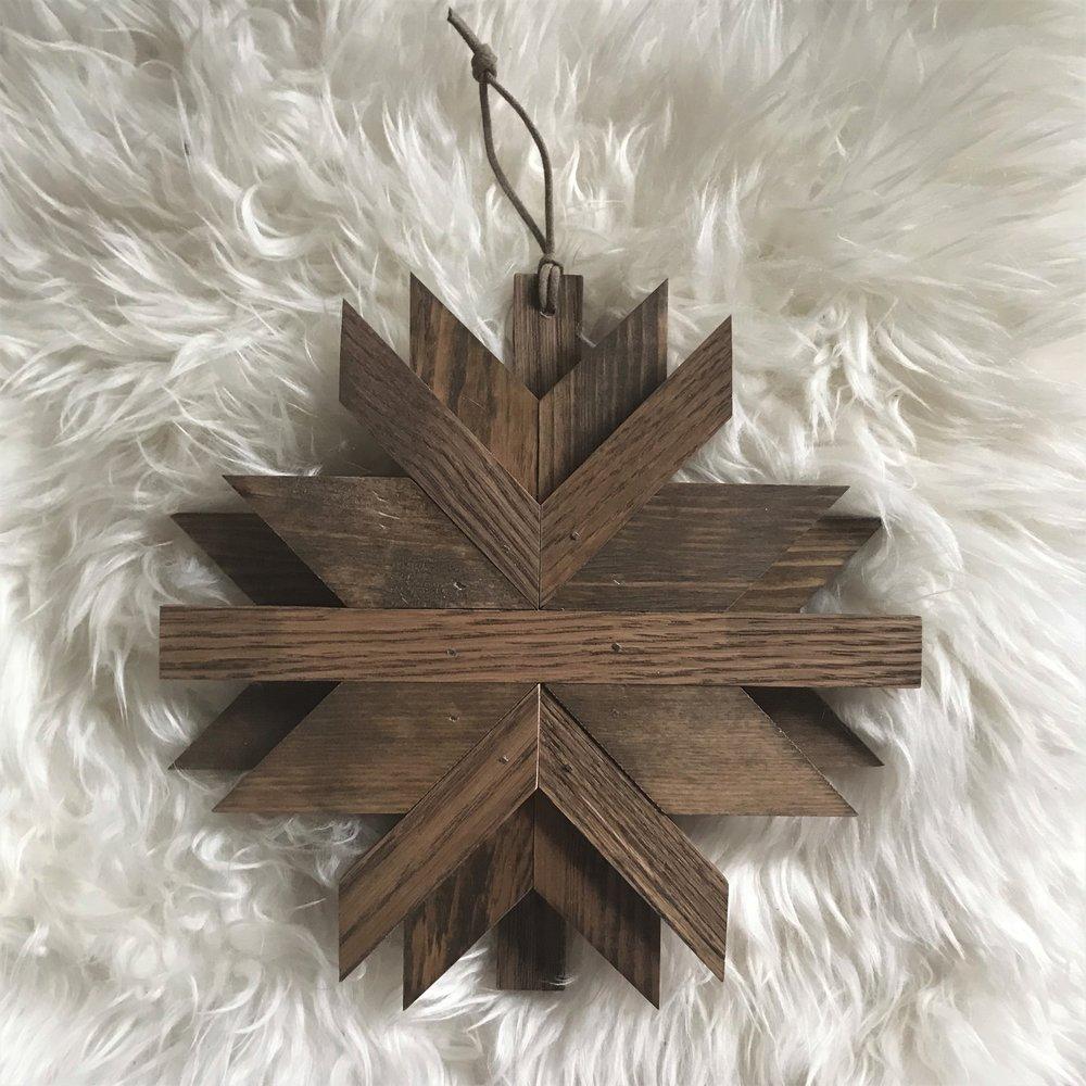 Oak ornament .jpg