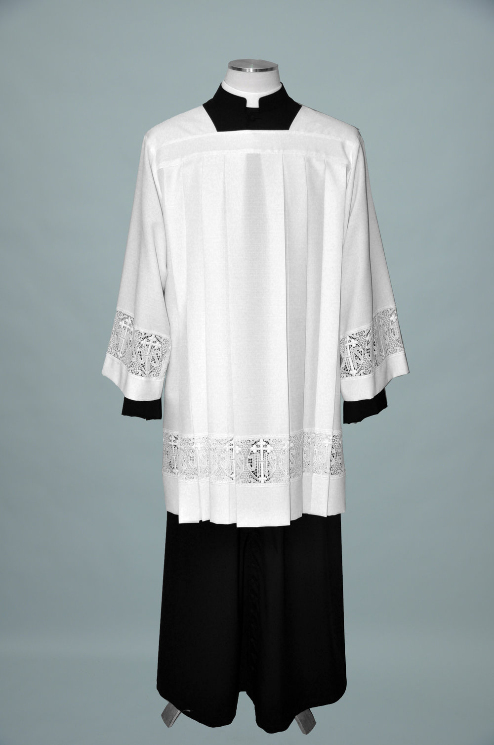 Surplice #5146 W 4in IHS & Cross Lace.jpg