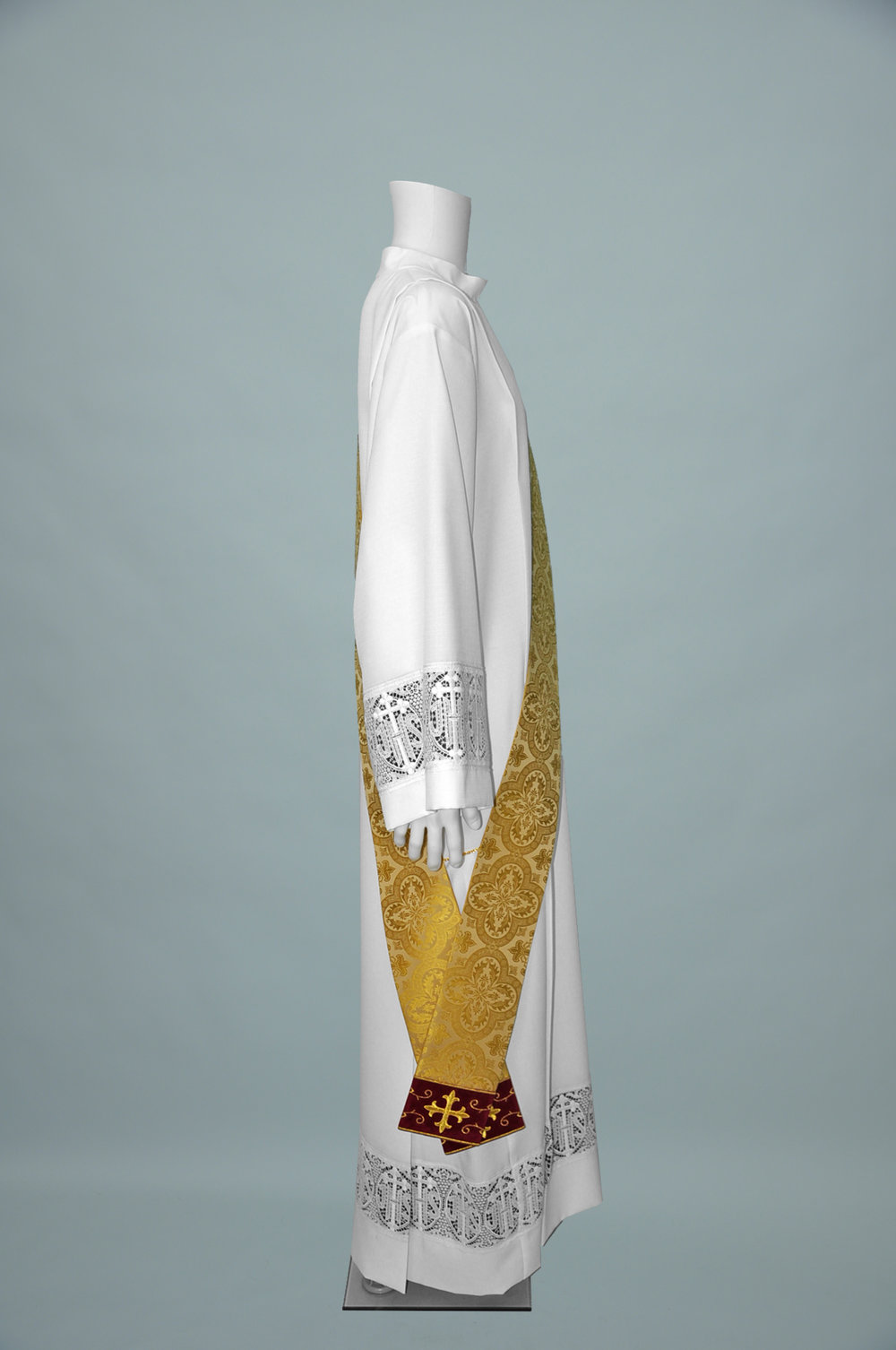 Deacon Stole Davinci Gold W R1282 Burgundy (s).jpg