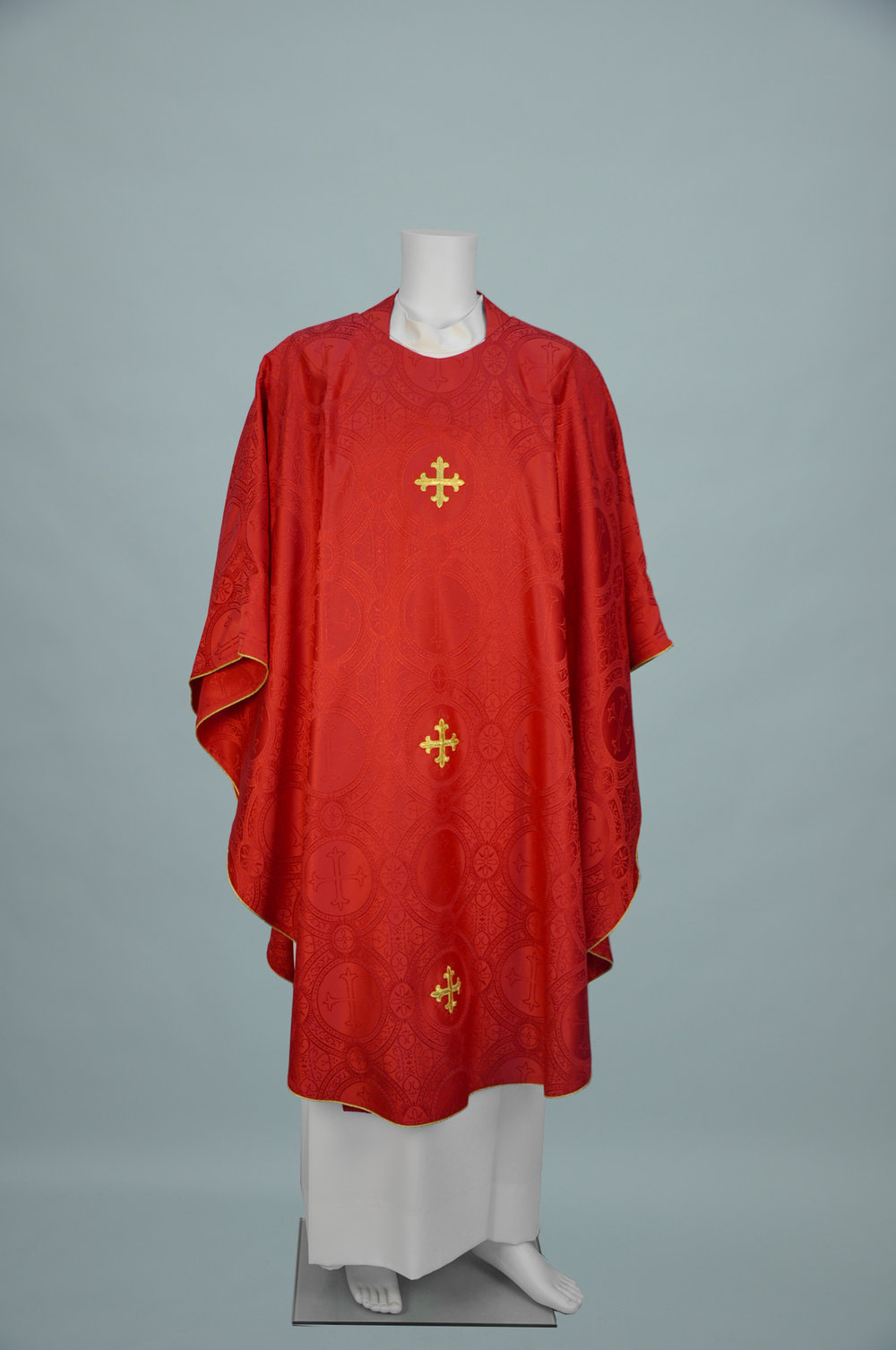 Gothic Chasuble 2930 Red W 3in Gold Crosses.jpg