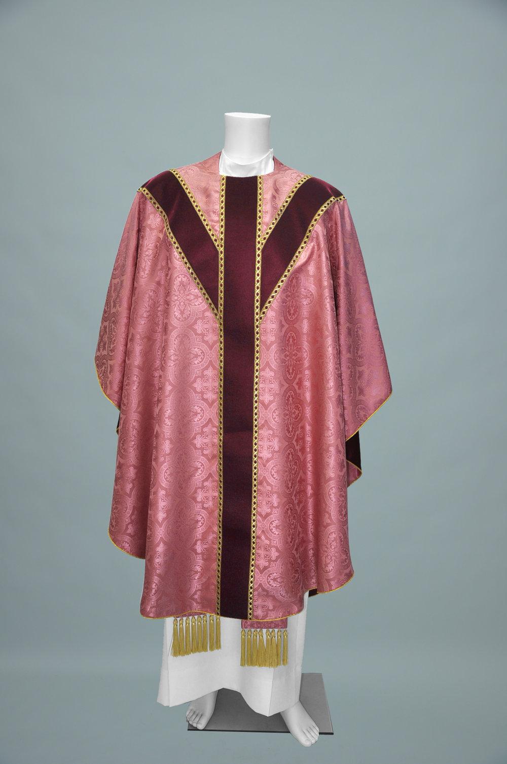 Gothic Chasuble Davinci rose W Velvet burgundy + 2326 burgundy gold (f) 1.jpg