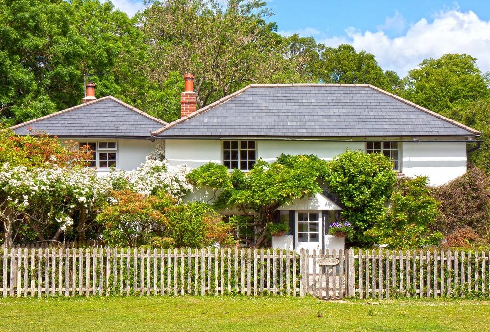 house-908459_1920.jpg