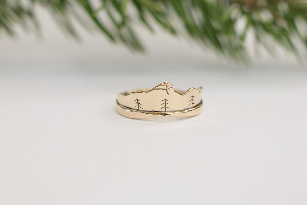 14 kt yellow gold Mt. Bogart, Alberta Wedding Ring