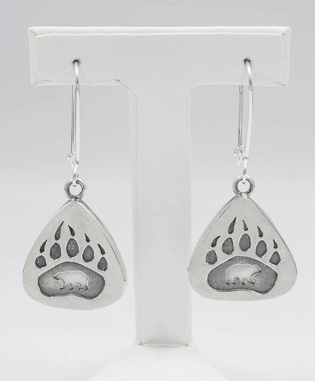 If you're in Vancouver you can check out these earrings in real life on Granville Island! 🐻 @craftcouncilbc is hosting their annual fundraiser, The Earring Show on May 5th! If you're in the area, stop by to take a look and maybe purchase your favourite. ☺️ Mother's Day is coming up! #supportlocalart #TheEarringShow #madeinbritishcolumbia