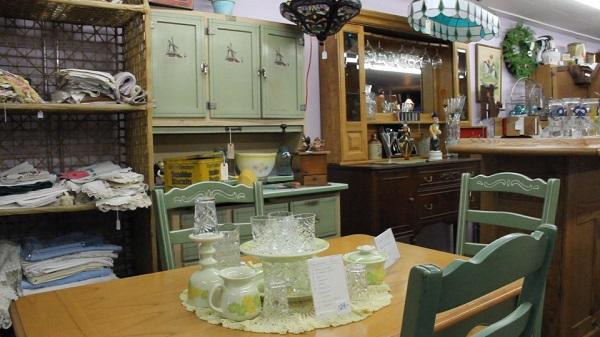 Interior Antique Store - ss.jpg