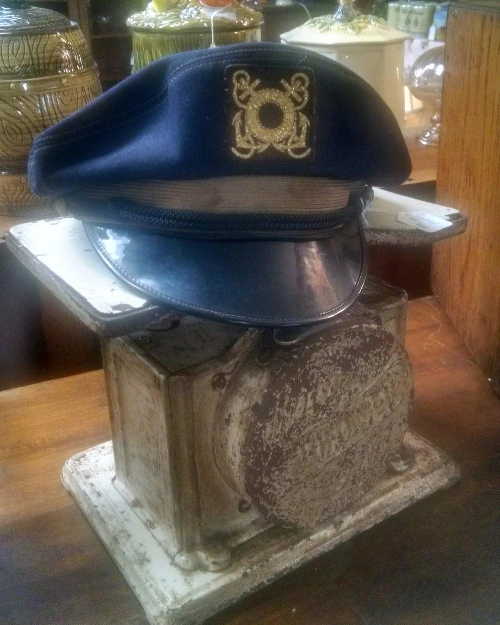 Capt hat.JPG