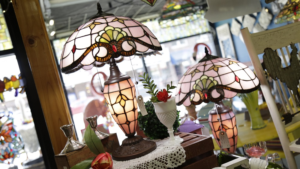 Pretty Pink Stained Glass Lamps.jpg