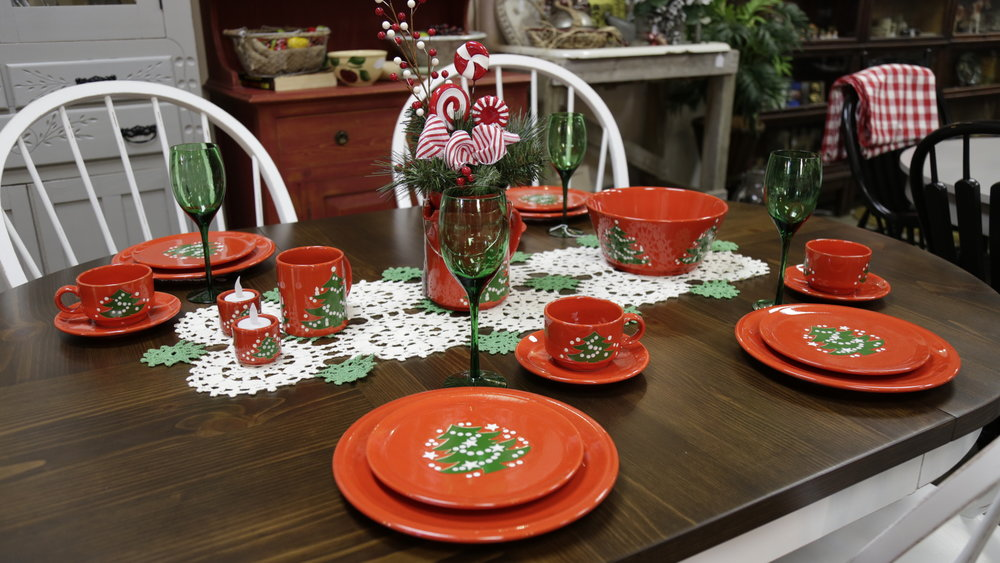 holiday table setting  Festive table  Christmas dishes  table settings  holiday entertaining