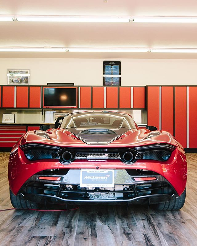 The car and cabinets were vying hard for attention. . . . . . . #car #cars #garage #robbreport #garages #racecar #madeintheusa #houzz #porsche #porscheclub  #amazingcars247 #hgmotorsports #menwithautos #automotiveexperience #caranddrivermag #autocars1
