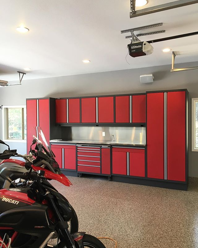 We were in the valley yesterday installing this gorgeous set custom metal cabinets for a new client. . . . . . . #car #cars #garage #robbreport #garages #racecar #madeintheusa #houzz #porsche #porscheclub  #amazingcars247 #hgmotorsports #menwithautos #automotiveexperience #caranddrivermag #autocars1