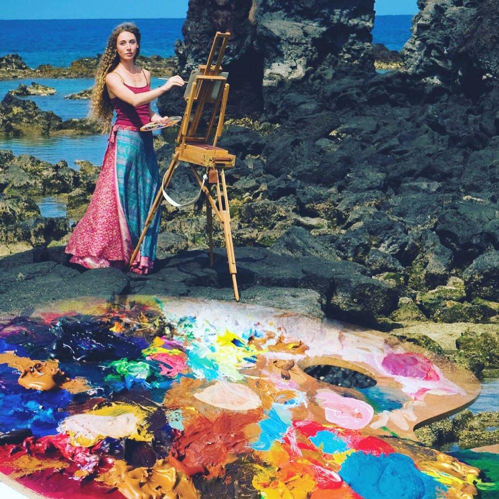 Artist Stephanie Bolton Painting paint and Sip Kona 2019