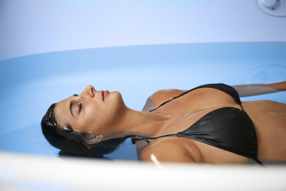 mizu's state-of-the-art floatation therapy pod houston