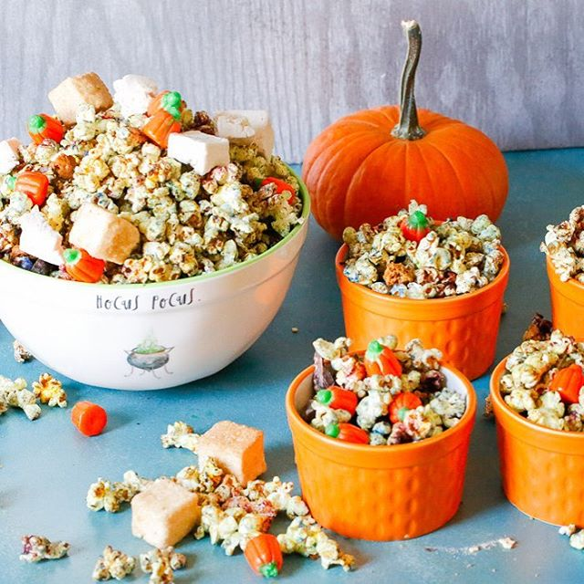 🎃👻 A new month is upon us and I'm willing to bet that many of you have tons of leftover candy lying around your house that you just don't know what to do with. 🙈Not to worry though, because I've got you covered with my easy, fun, delicious Monster Mash Popcorn! It's ghoulishly delicious and has a nice subtle sweet and salty combo to it. Word on the street is it's pretty amazing according to my friends and family who have already tried this, so you can bookmark this recipe to make it every year. 🙌🏽This Monster Mash popcorn can easily be transitioned to a festive Christmas Holiday popcorn that's also wonderful for all of the events coming up during the holiday season! All you'll need to do is switch out some of the ingredients. Easy peezy. Recipe {link in bio} 😘 . . . . . . #buzzfeedfood  #popcorn  #halloweencandy  #feedfeed  #thefeedfeed  #huffposttaste  #foodprnshare  #droolclub  #f52gram  #thekitchn  #sweetmagazine  #tastespotting  #forkfeed  #foodgawker  #kitchenbowl  #bhgfood  #buzzfeast