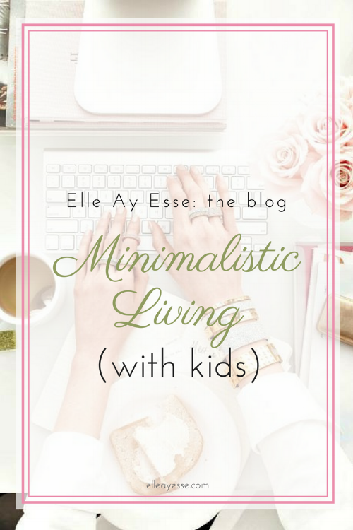 How do you live a minimalistic life while raising children? I have often wondered the same thing. Over and over, actually. I decided to give it another try and post about how I am making my minimalist life with kids work. Come on by and nab some of my ideas to include in your every day life now! | minimalist | minimalistic with kids | clutter | organize |