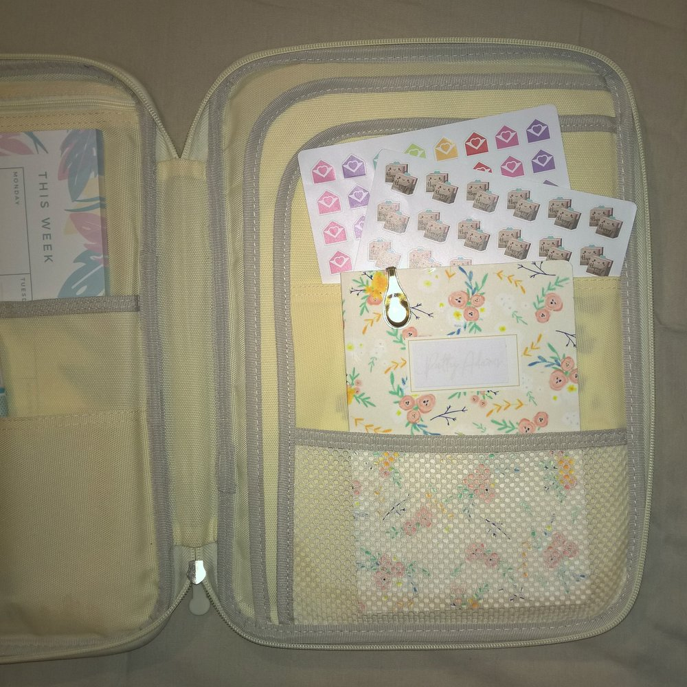 How I Use My JAKAGO Business Padfolio as A Planner Folio