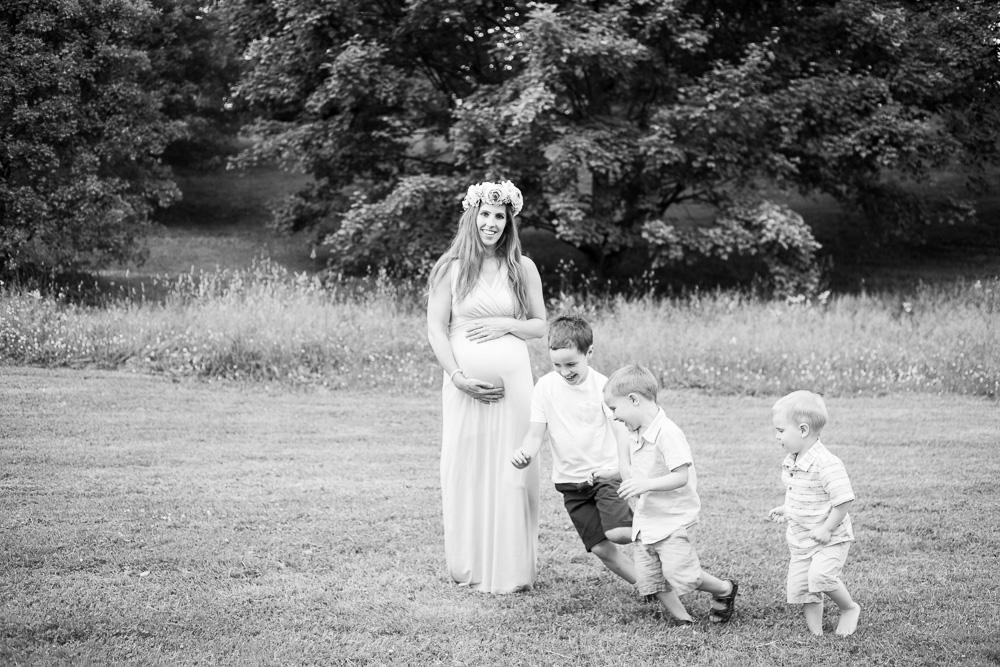 Maternity-Photographer-Rochester-NY-24.jpg