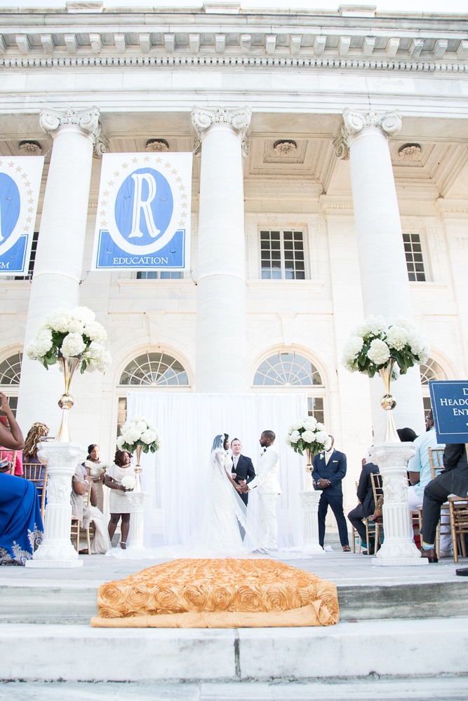 Classic DC wedding at DAR Constitution Hall
