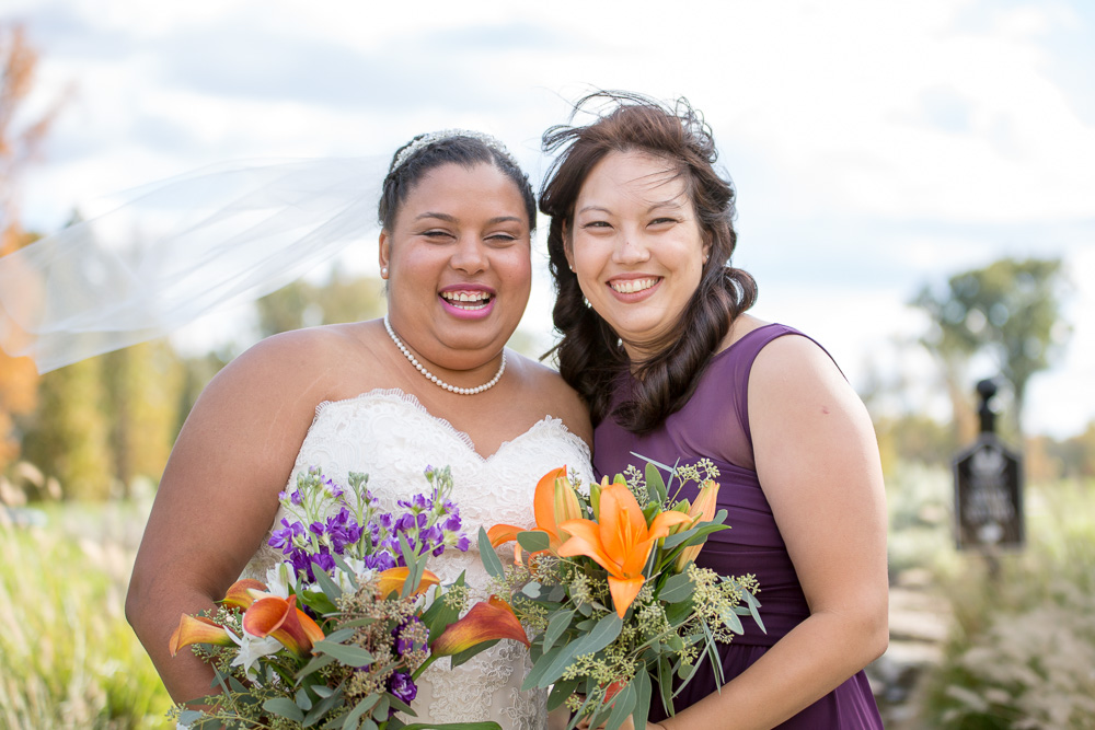 Bride and bridesmaid wedding photos| Clifton, VA Wedding Photography
