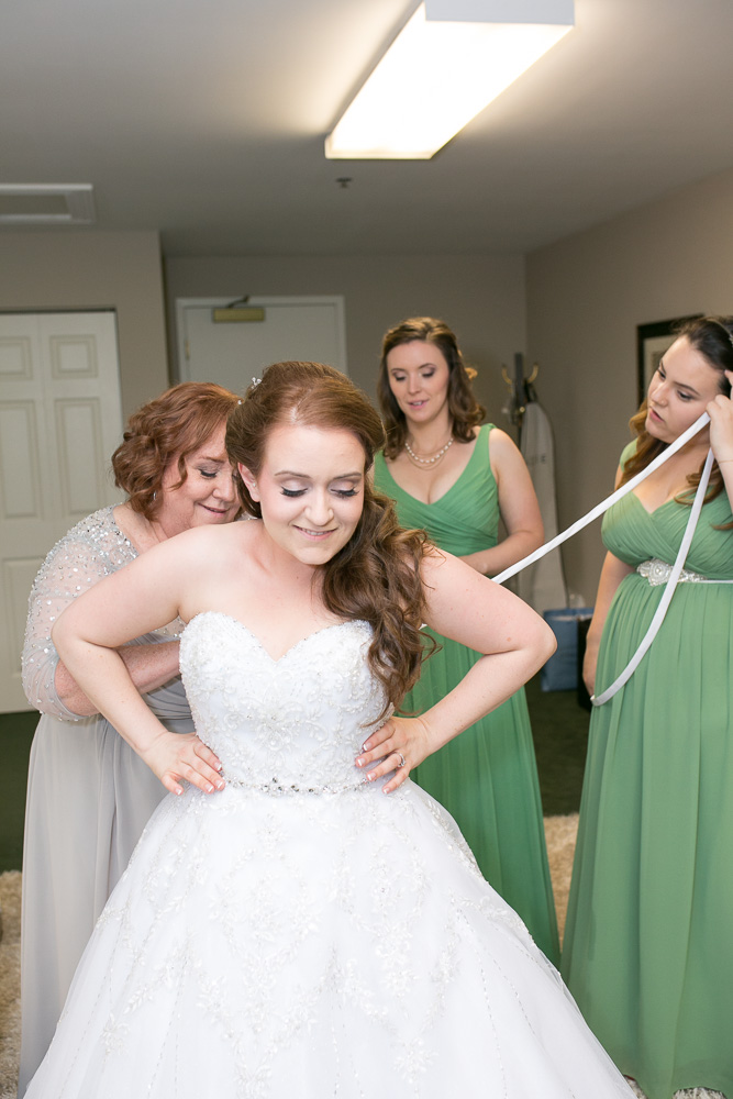 Bride getting ready | Megan Rei Photography | Haymarket, VA Wedding Photographer
